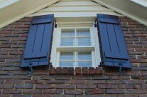 Atlantic Premium Shutters, Board and Batten, color Polished Mahogany