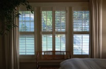 2.5″ louver, wood shutters with mid-rail